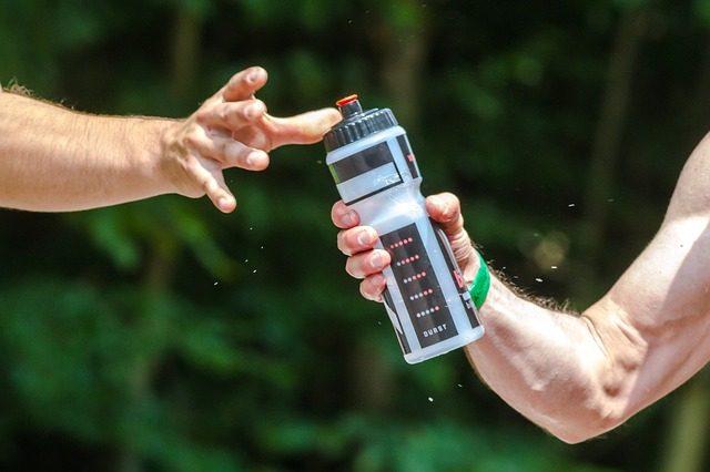 Бутылка для воды - идеи подарков спортсмену