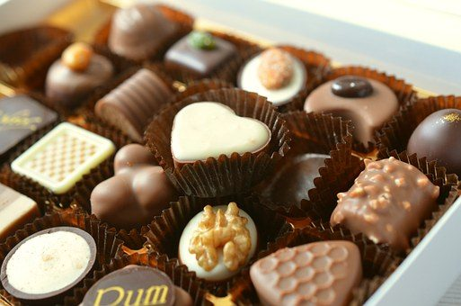 Шоколадные конфеты  - подарок учителю