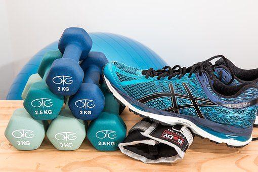 Абонемент в фитнес-клуб - подарок домохозяке