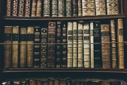 Книжный шкаф - подарок книголюбу