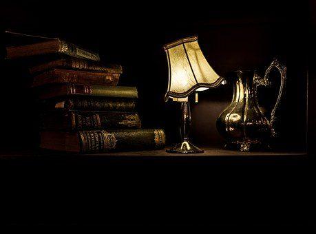 Светильник - 12 подарков для домашнего уюта