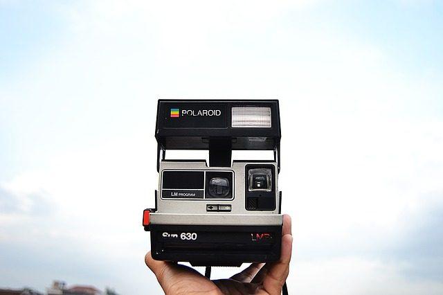 Мгновенная фотокамера - что подарить подростку