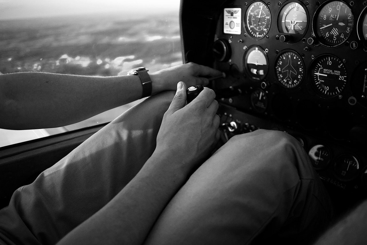 Часы Aviator - подарок пилоту на день рождения
