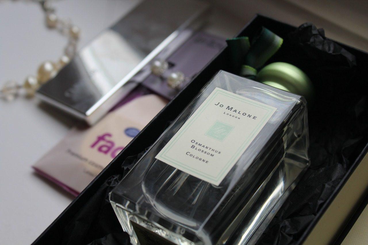 Что подарить парфюмеру и любителю духов