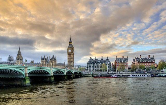 Великобритания -  Съедобные сувениры из разных стран мира