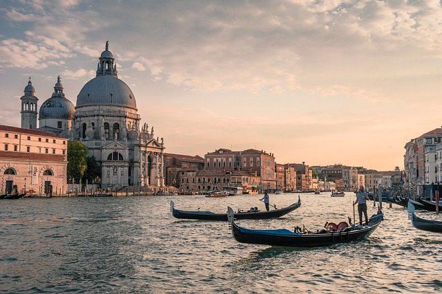 Италия -  Съедобные сувениры из разных стран мира