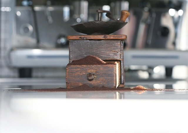 Кофемолка - 12 подарков кофеману