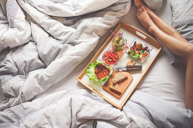 12 подарков в постель