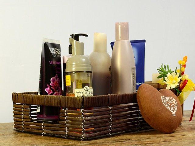 Корзинки для косметики - 12 подарков для ванной комнаты
