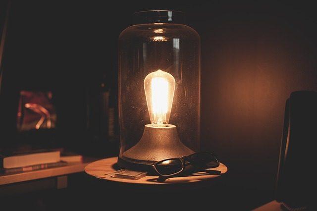 Неоновая лампа или ночник - 10 подарков на рождение ребенка