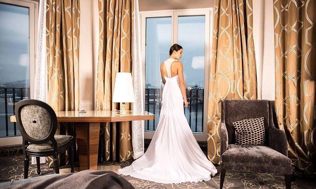 Ночь после свадьбы в апартаментах класса люкс - что подарить на свадьбу молодоженам