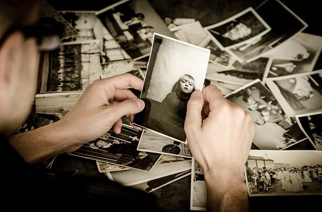 Альбом с фотографиями - 10 подарков на девичник