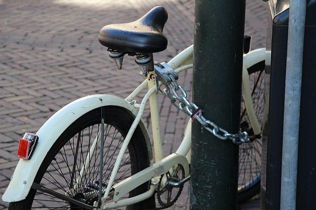 Велосипедный замок - что подарить велосипедисту