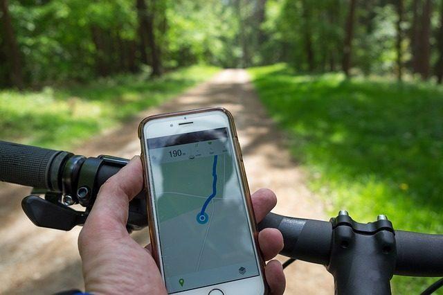 Универсальное крепление для телефона - что подарить велосипедисту