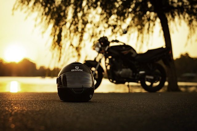 Мотоциклетный шлем - Что подарить мотоциклисту