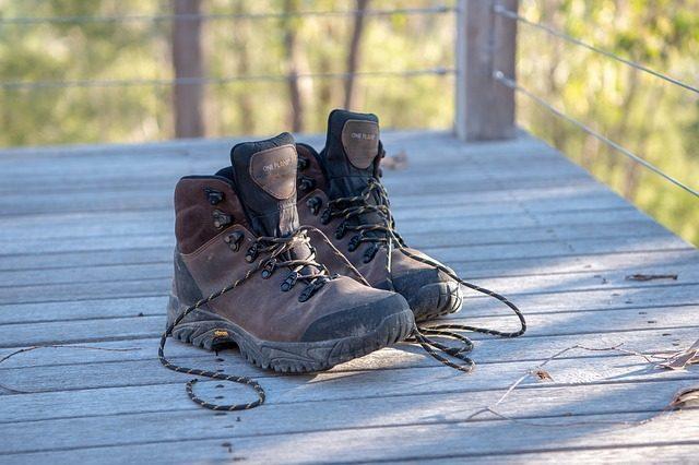 Треккинговые ботинки - Что подарить туристу