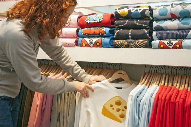Футболки с изображением сыра - Что подарить любителю сыра