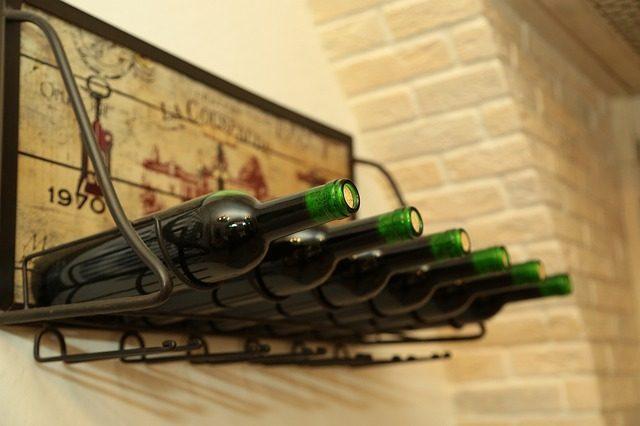 Дизайнерские подставки для винных бутылок - Что подарить любителю сыра