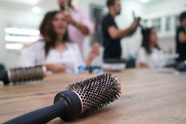 Хорошая расческа для волос - Что подарить для ухода за волосами