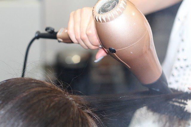 Фен - Что подарить для ухода за волосами