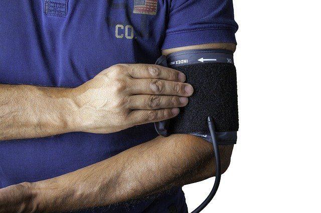 Тонометр для измерения артериального давления - Что подарить врачу в благодарность