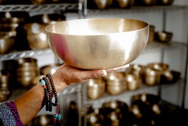 Поющая чаша - Что привезти в подарок из Гоа