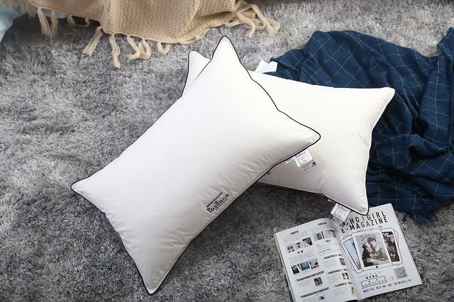 Удобная подушка для сна - Что подарить для сна