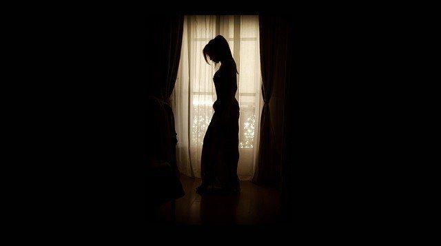 Светонепроницаемые шторы - Что подарить для сна
