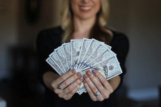 Деньги - подарки для студента